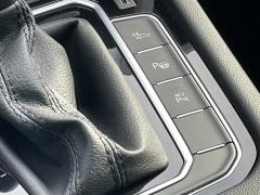 Volkswagen-Passat-74