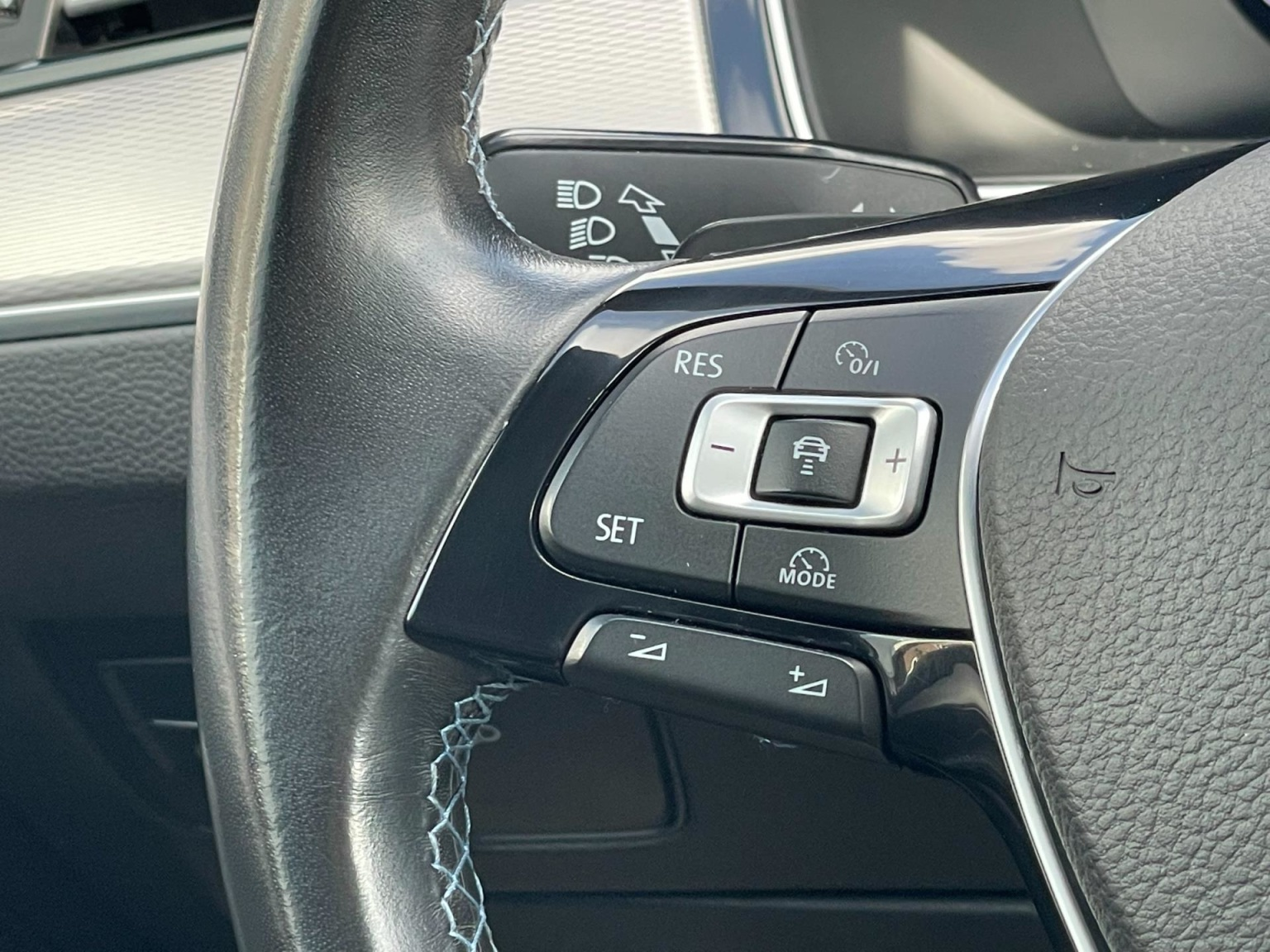 Volkswagen-Passat-40