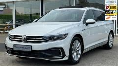 Volkswagen-Passat-0