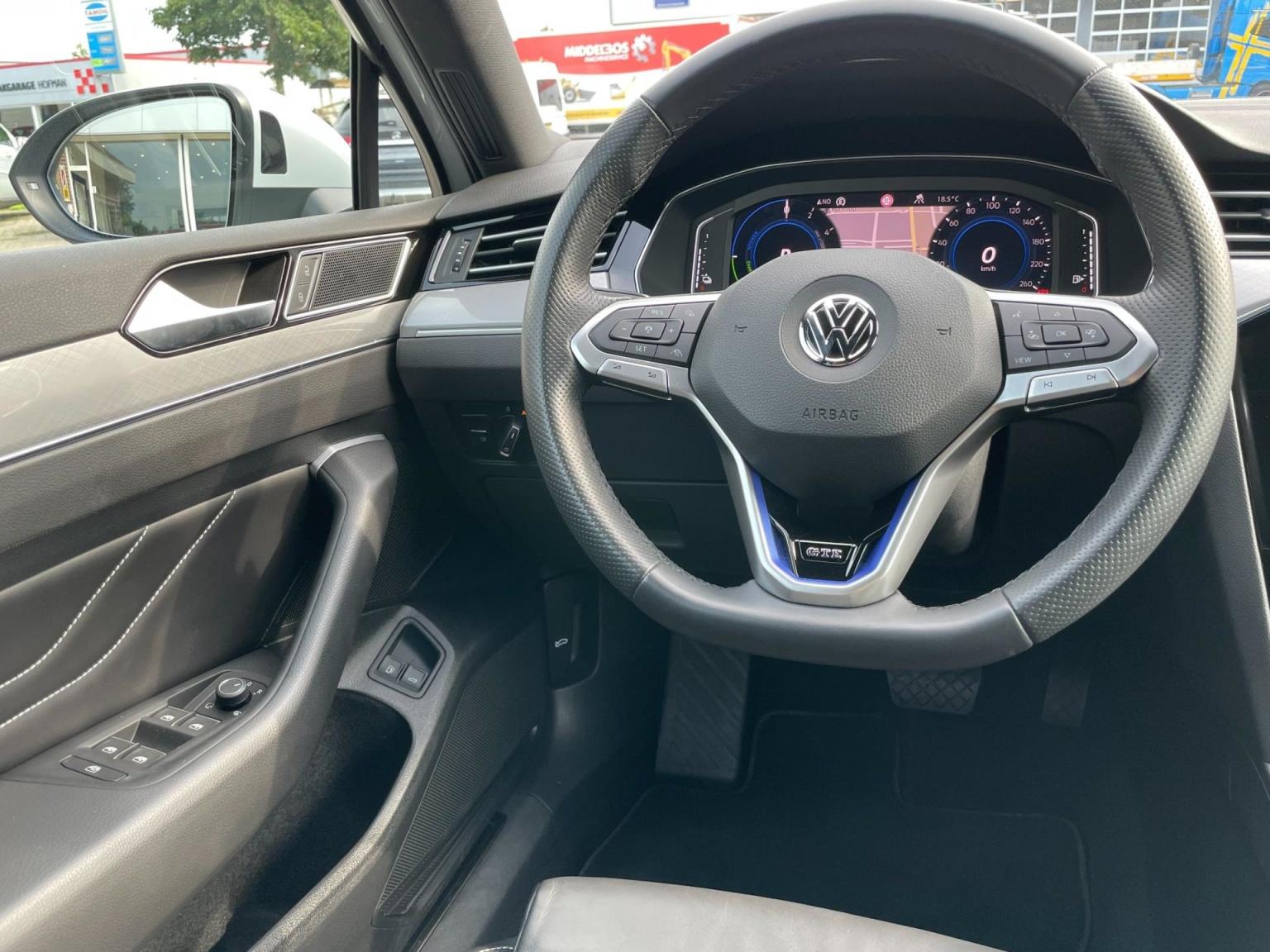 Volkswagen-Passat-60