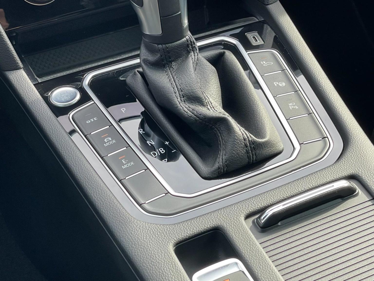 Volkswagen-Passat-73