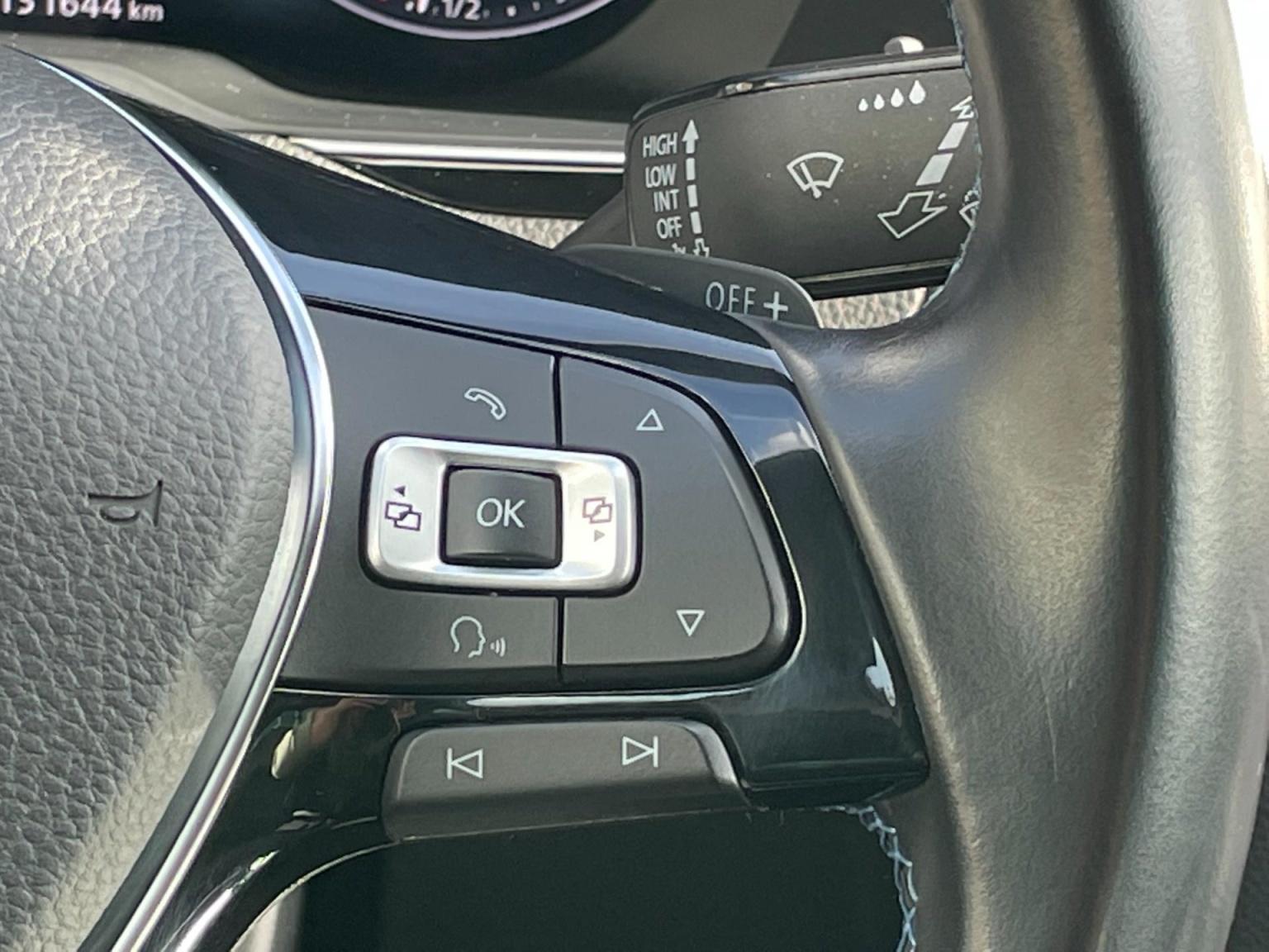 Volkswagen-Passat-41