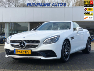 Mercedes-Benz-SLC 300