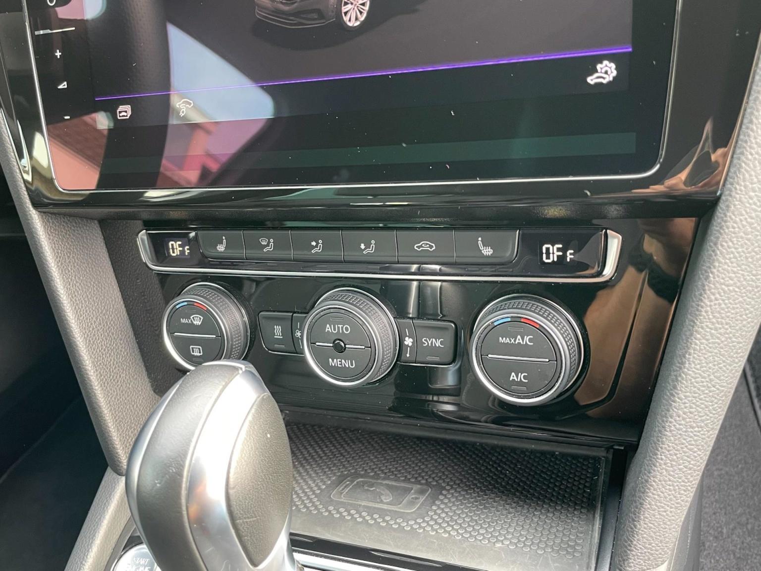Volkswagen-Passat-50